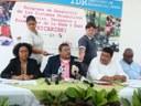 Firman histórico acuerdo de préstamo para reducción de la pobreza