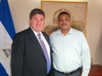 Embajador de Gran Bretaña visitó a ministro del Poder Ciudadano de Hacienda y Crédito Público
